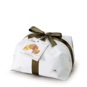 Panettone with Almonds Royal